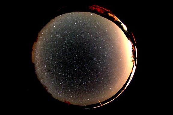 Un étrange phénomène observé dans le ciel de Côte-d'Or Fisheye12mars10